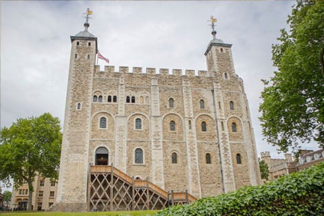 Photograph of the White Tower from the front