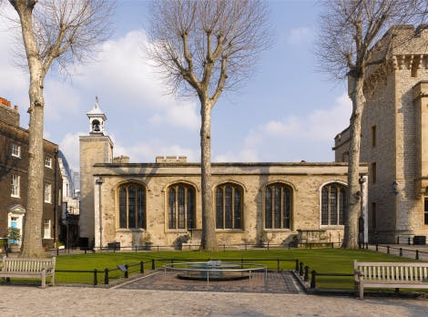 The Chapel Royal of St Peter ad Vincula, looking north from Tower Green
