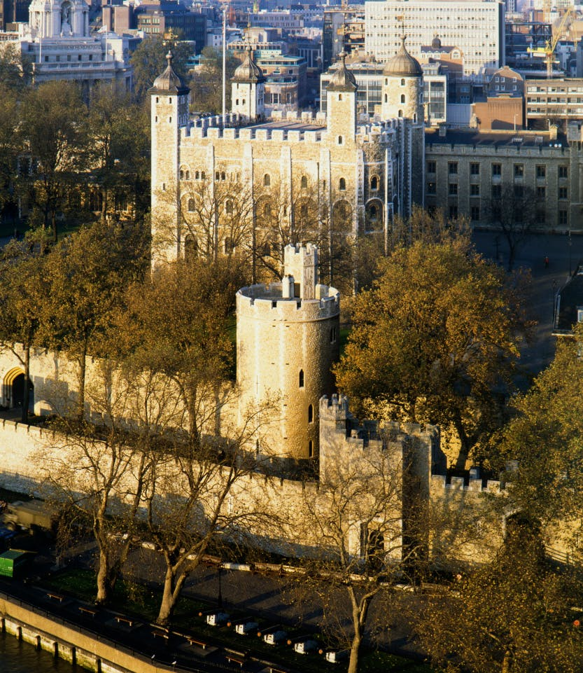 The White Tower, seen from the south, showing the Curtain Walls, the Cradle Tower and the Lanthorn Tower in the foreground circa late 1980s.