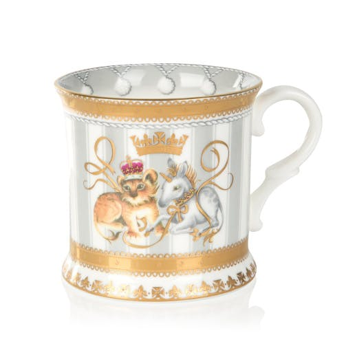 Celebrate the arrival of a new royal baby with this official commemorative china tankard commissioned by Buckingham Palace to commemorate the birth of HRH Prince of Cambridge on Monday 23rd April 2018.
