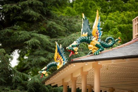 Green and gold dragons on the Pagoda at Kew Palace