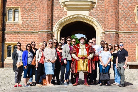 Costumed guide tour by Henry VIII in Base Court