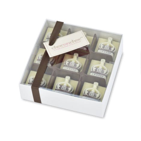 Perfect for a royal chocoholic, these crown luxury chocolates are made from a blend of white and dark Belgian chocolate.