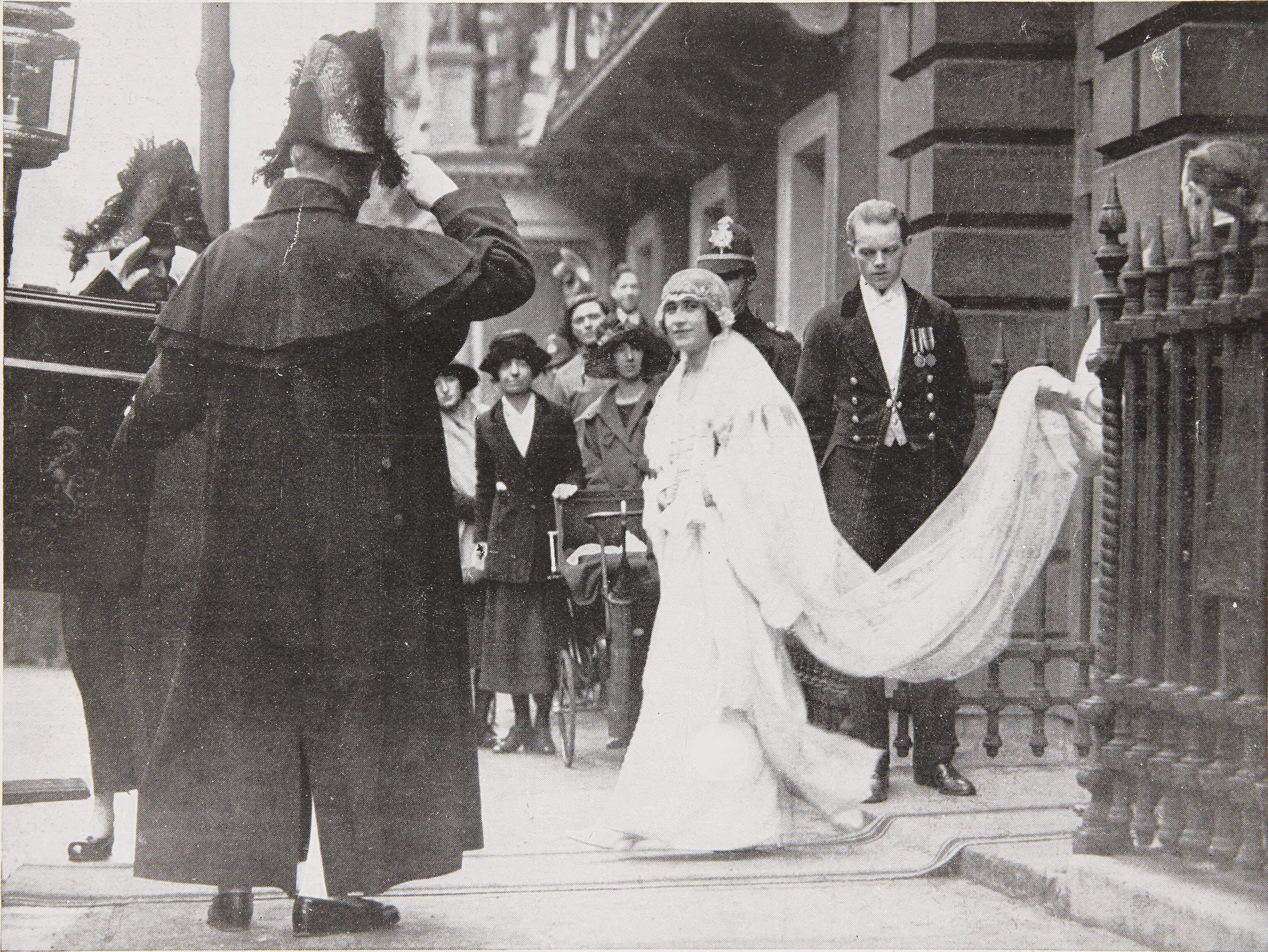 Lady Elizabeth Bowes Lyon leaving 17 Bruton Street, her family home in London, on her wedding day 26 April 1923
