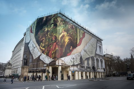 The Banqueting House in a wrap material depicting Ruben's ceiling. Whitehall can be seen in the foreground