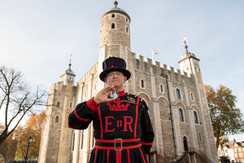 The third coin in The Tower of London collection from The Royal Mint. This coin features the Yeoman of the Guard, the ceremonial guardians for the Tower of London.